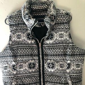 Land's End vest black white snowflake zip winter